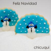 Un muñeco de nieve en galletas decoradas