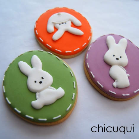 Conejitos de Pascua Easter bunny galletas decoradas chicuqui.com
